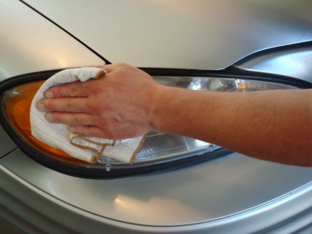 Headlight Polishing By Hand