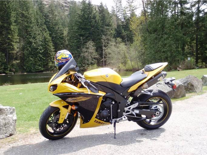 Digby B.'s 2009 Yamaha YZF-R1